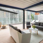 Luminosa terraza de la suite