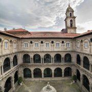 Claustro del hotel Monasterio
