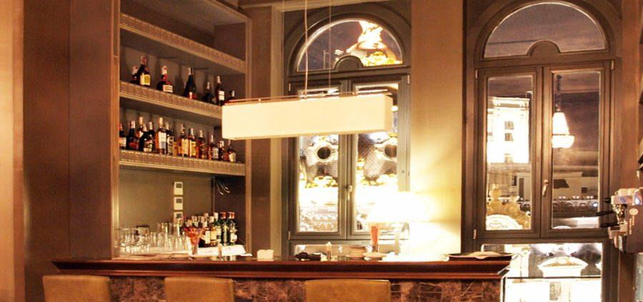 Barra del bar del hotel