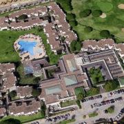 Panorámica aérea del hotel