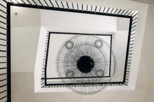 imagen de la lámpara desde la escalera