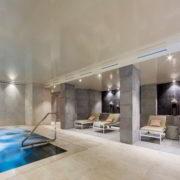 Zona Spa con piscinas climatizadas para tratamientos